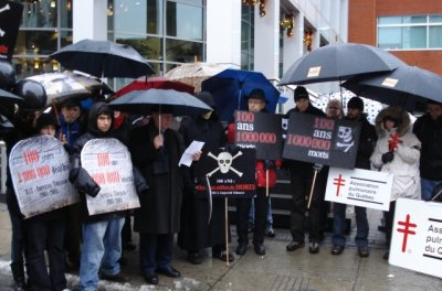 Protest at Imperial Tobacco office
